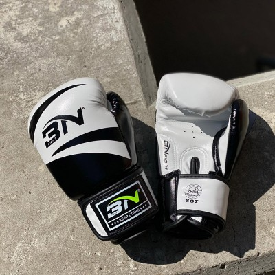 Боксерские перчатки BN fight черно-белые   Сайд-Степ