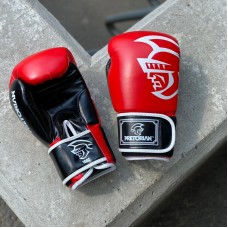 Боксерские перчатки Pretorian красно-черные