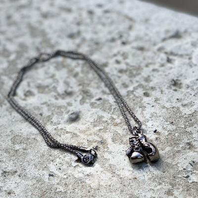 Сувенирный кулон с цепочкой боксерские перчатки mini black в наличии в магазине Сайд-Степ