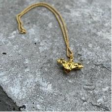 Сувенирный кулон с цепочкой в форме золотистого торса